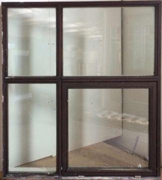 Maghoni vindue - OF170 - mål 131 x 151